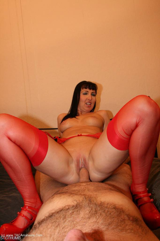 Scarlet a bounces her big butt on his thick pole 7